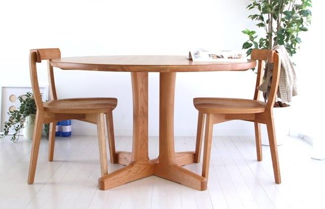 高級感のある無垢材の椅子 DC4