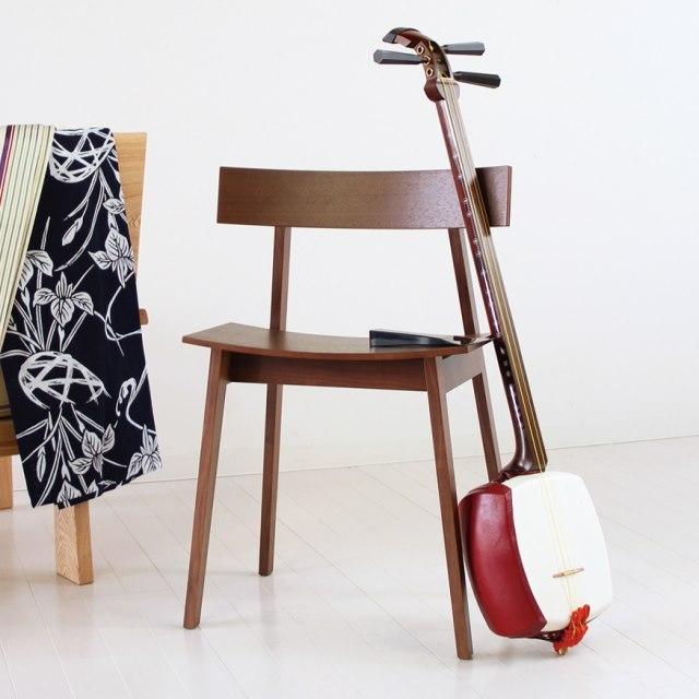 三味線奏者の椅子