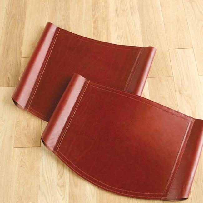 本革の椅子の背もたれ