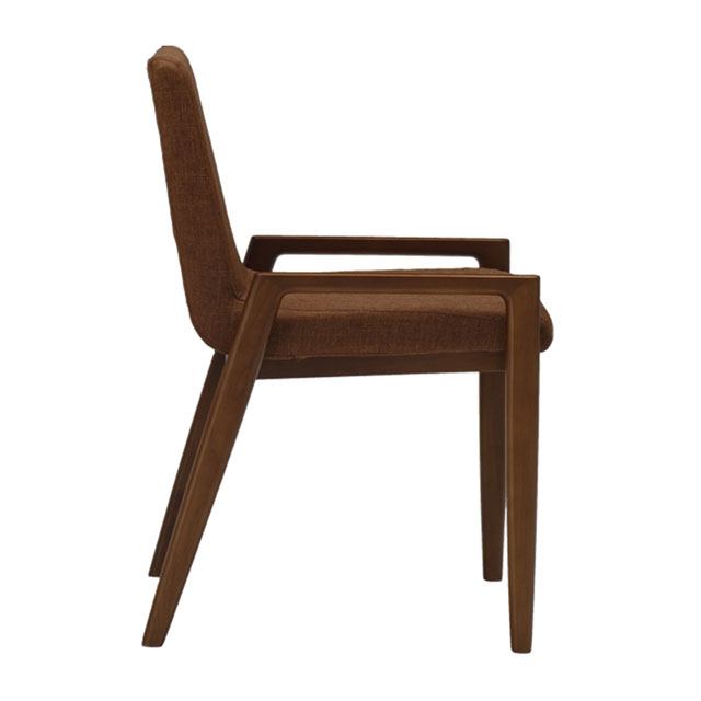 ブラウンの木材とブラウンシートの座りやすいおしゃれな椅子