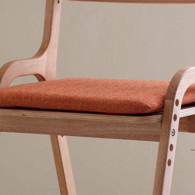 クッション付の学習椅子、エアリー・デスクチェア
