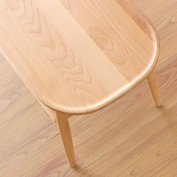 ノルン・ベンチの無垢材座面