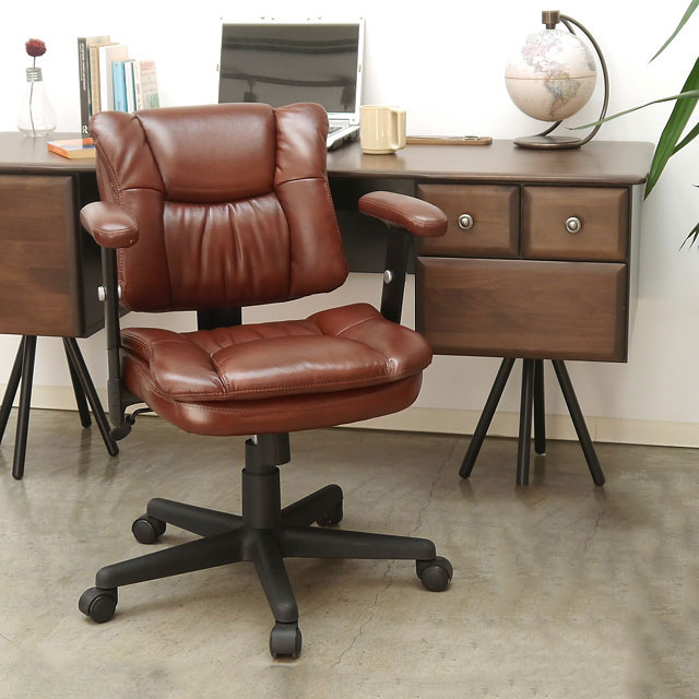 合皮のオフィスチェア