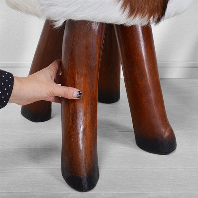 ハラコのファー・スツール・トラングの脚部は天然木