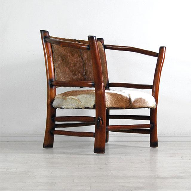 ファーを張った椅子