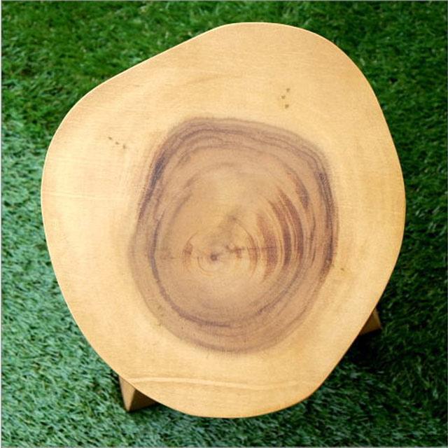 ナチュラル系の木製ミニスツール