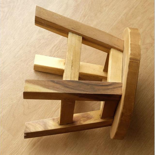 木製のこどもスツール