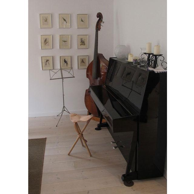 ピアノ椅子にNormark ハンティングチェア