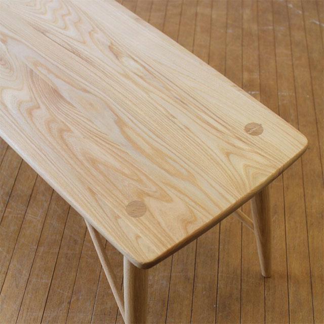 綺麗な木目の無垢材ダイニングベンチ