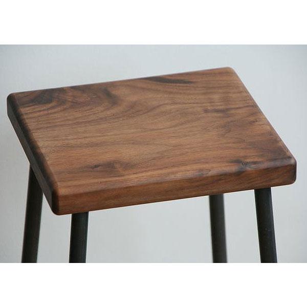 ブラックウォールナット無垢材の座面