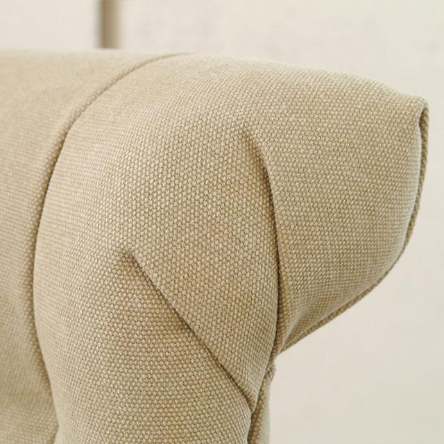 座り心地のいいソファのようなベージュの椅子