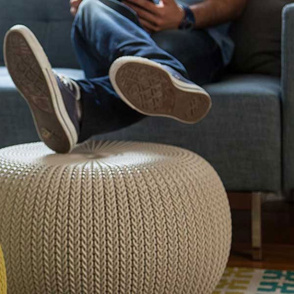 オットマンになるKETER社の椅子