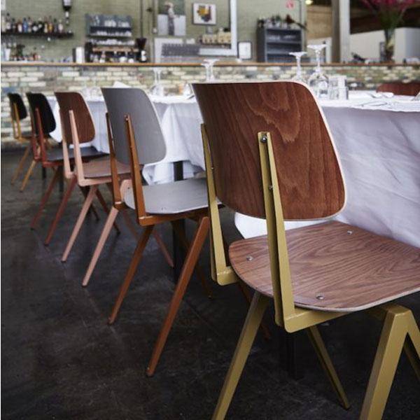 Galvanitas (ガルファニタス) S.16チェアを置いたレストラン