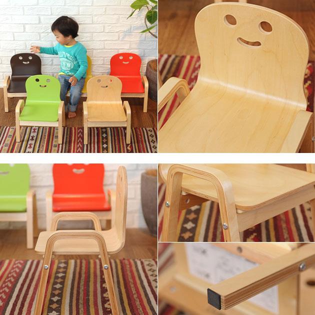 2歳児、3歳児用の机と椅子