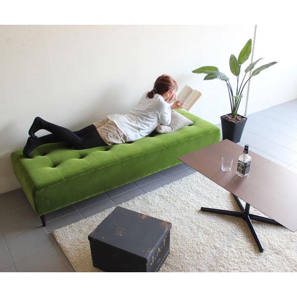 ソファになる大型ベンチ