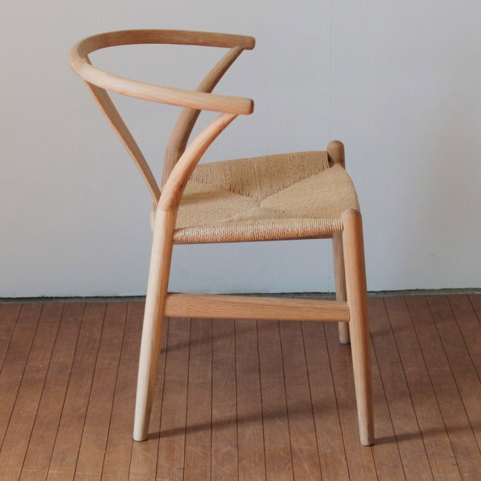Yチェアのような椅子