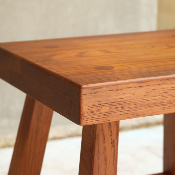 オーク無垢材スツールの四角い座面