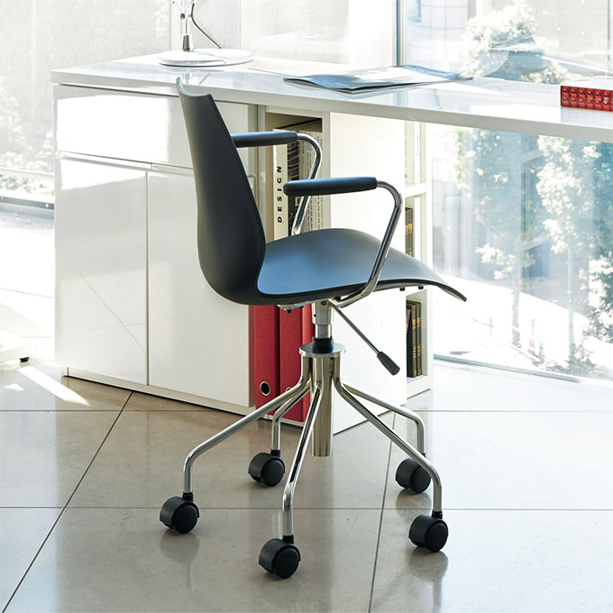 Kartell社製オフィスチェア Maui Chair ブラック