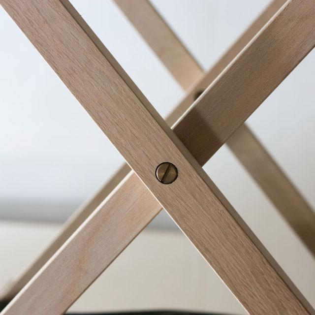 折りたたみ椅子の真鍮金具