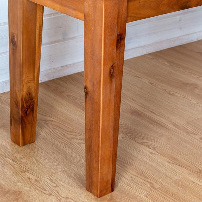 ナチュラル系木製ベンチの脚