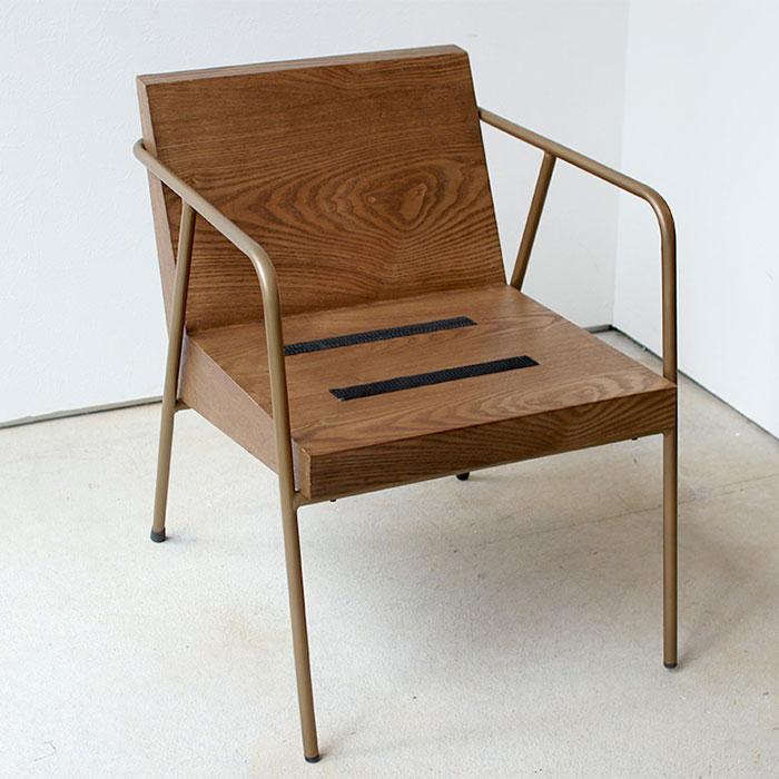 木とアイアンフレームのおしゃれ椅子